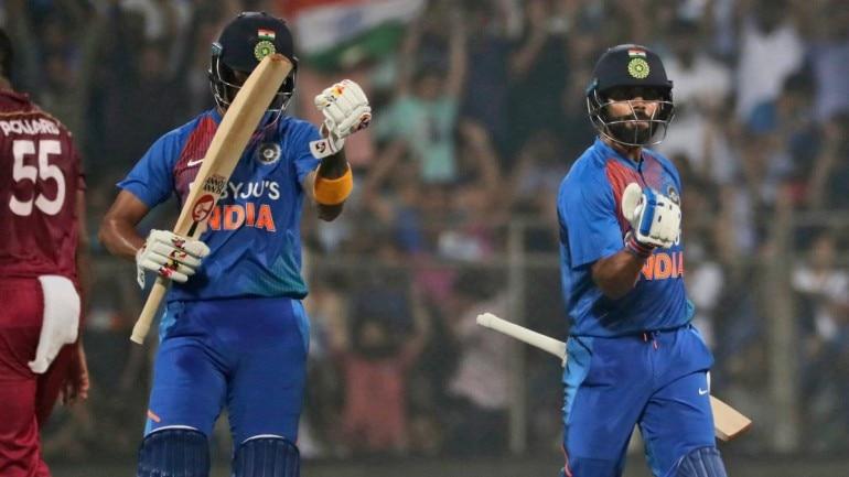 Kohli (r) scored a six-laden 70* in Mumbai on Wednesday