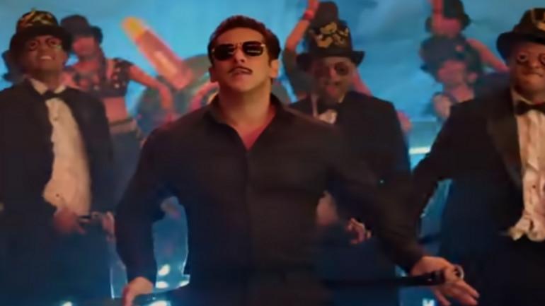 Salman Khan recreates Munna Badnaam Hua with paparazzi