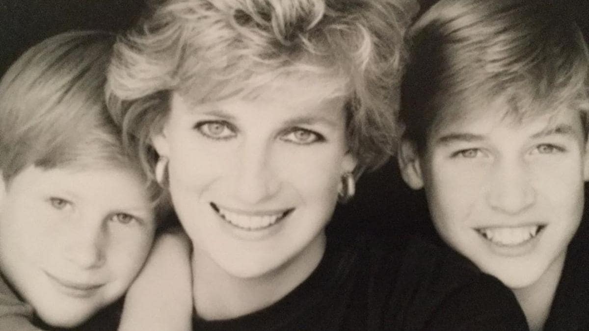 princess diana s butler releases unseen letter she wrote to harry and william i love my boys to death lifestyle news princess diana s butler releases unseen