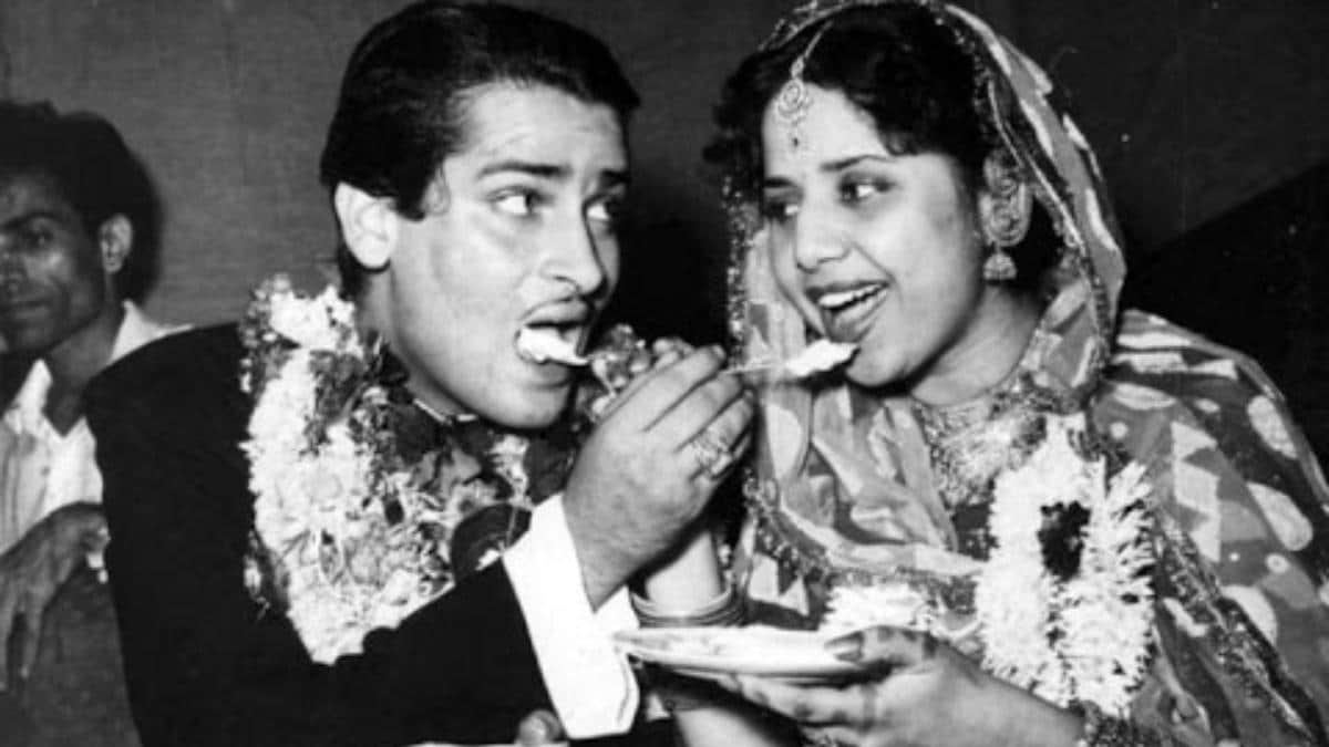 How Shammi Kapoor married Geeta Bali: She took out lipstick, asked him to apply it on her maang - Movies News