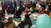Why are ordinary Sikhs serving langar at Shaheen Bagh?