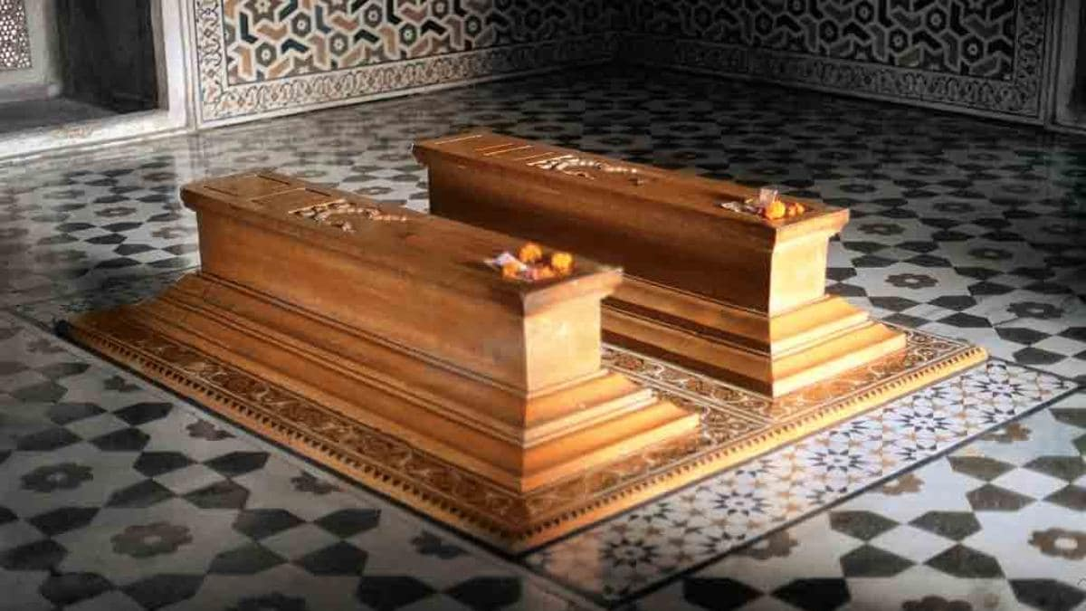 Donald Trump may forgo visiting real graves of Shahjahan-Mumtaz due to his  height - India News