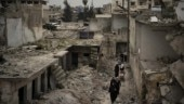 Displaced Syrians go home to ruins rather than risk virus