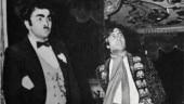Amitabh Bachchan shares still from Naseeb dressed up as matador. Don't miss Rishi Kapoor as Chaplin