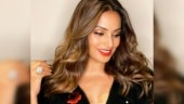 Quarantine fitness: Bipasha Basu shares workout routine in new post. Urges fans to stay safe