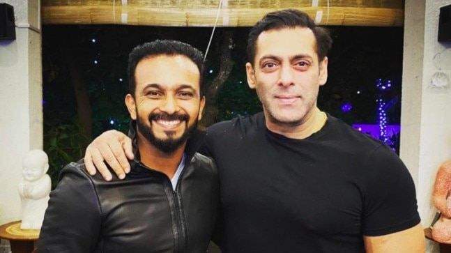 Fan asks Kedar Jadhav to choose between Dhoni and Salman Khan: It's like asking which parent is your favourite thumbnail