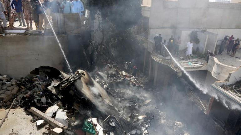 https://akm-img-a-in.tosshub.com/indiatoday/images/story/202005/Karachi_crash_site__AP_-770x433.jpeg?NTEcwfGV7L77bDqiFRHeyM8DMVVfwDPF