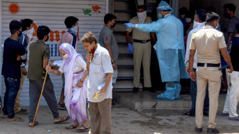 In some cases, even Covid-19 hospitals are not admitting patients unless they have a test report. (File photo: PTI)