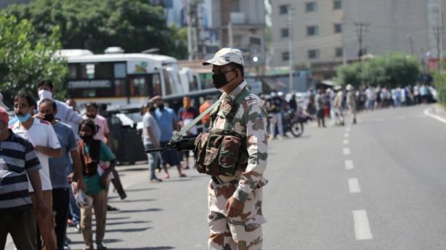 जम्मू और कश्मीर में पुलिस ने डॉक्टर को पट्टी करने से रोका और धमकी दी, मेडिकोज ने नाराजगी जताई