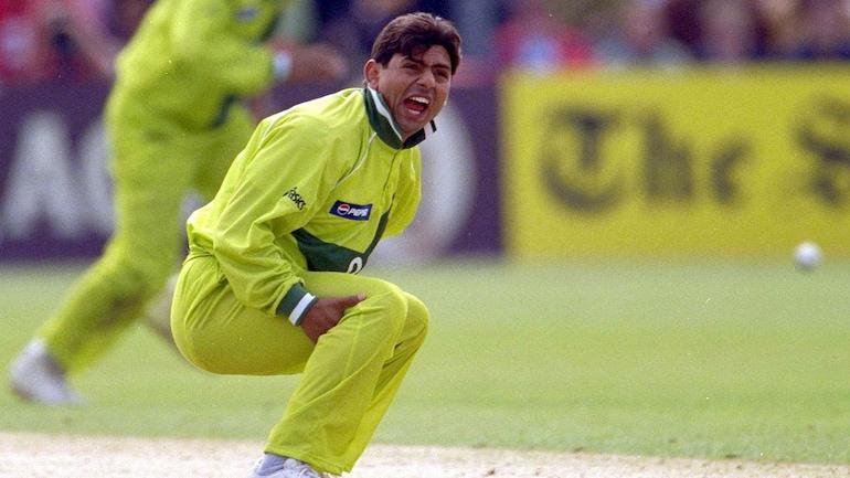 Saqlain Mushtaq played international cricket between 1995 and 2004