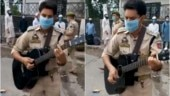 Jammu cop plays guitar and sings Gulabi Aankhen outside railway station. Video goes viral