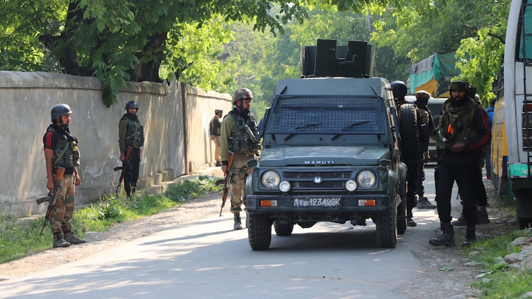 8 militants killed in parallel encounters in Kashmir, forces enter mosque in Pampore - India News