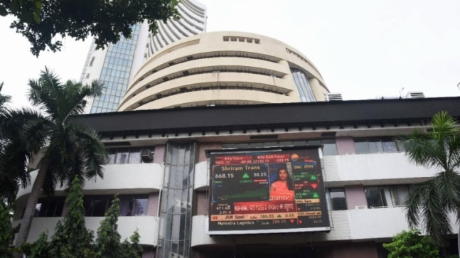 Pharma powers Indian shares to three-month closing high