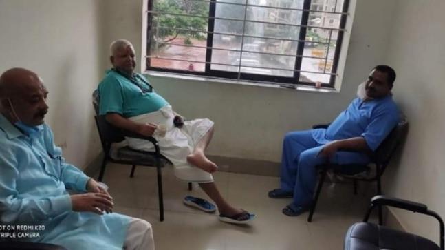 Lalu Prasad Yadav conducting darbar in hospital, flouting jail manual: BJP