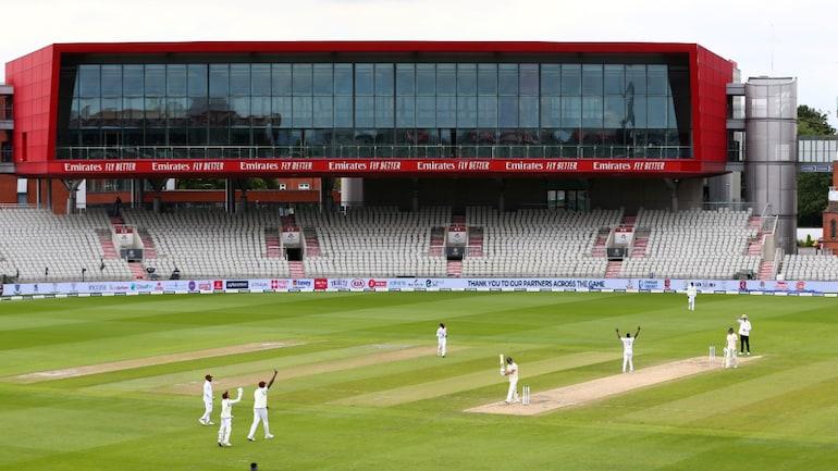 स्टैंड्स में इंग्लैंड बनाम वेस्टइंडीज टेस्ट सीरीज बिना प्रशंसकों के खेली जा रही है (रॉयटर्स इमेज)