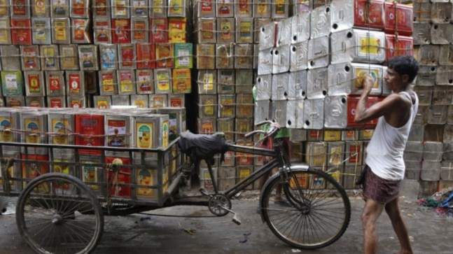 Indian households shun downmarket palm oil, cutting demand in lockdown