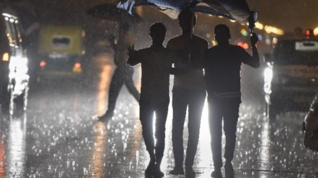 Photo of Heavy rains lash Delhi-NCR, weather department says thunderstorm likely to continue