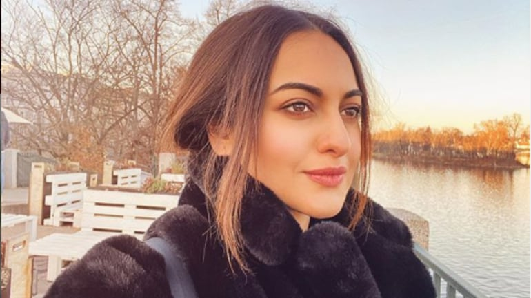 Sonakshi Sinha talks about her decision to quit Twitter.