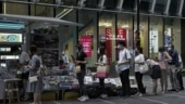 Hong Kong residents buy newspaper to support free press