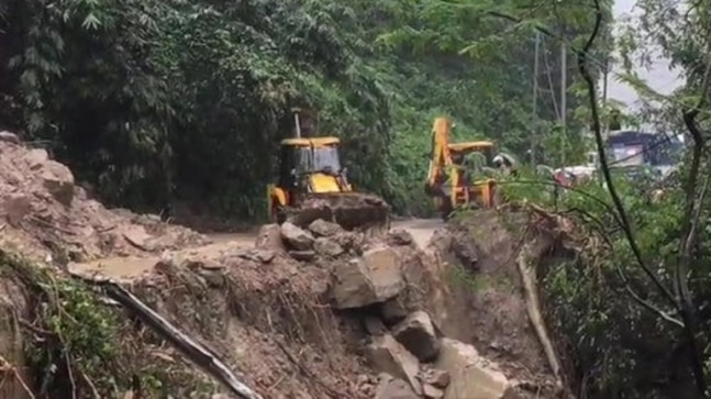 Heavy rains in Bengal trigger landslides, National Highway 10 blocked   - India Today RSS Feed  IMAGES, GIF, ANIMATED GIF, WALLPAPER, STICKER FOR WHATSAPP & FACEBOOK