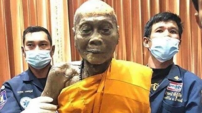 Fact Check: Dead monk smiling even after a hundred years? No, here is the truth about the viral pic