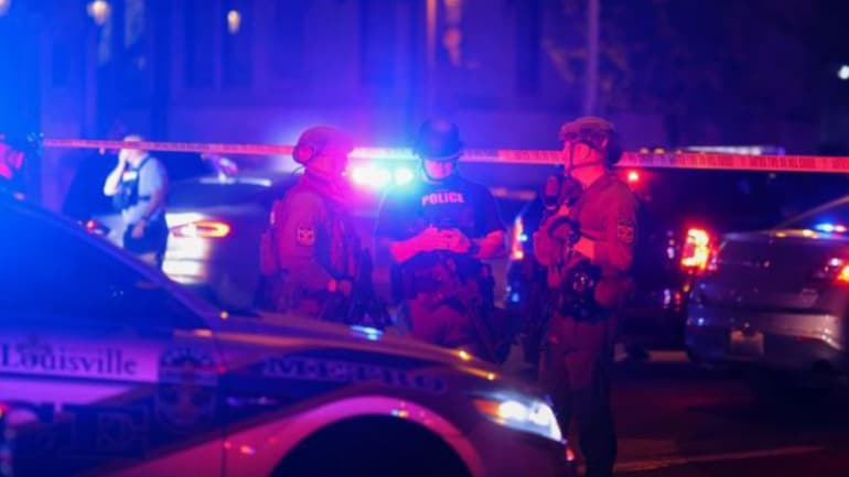 Police officer shot during Breonna Taylor protests in Louisville: FBI -  World News