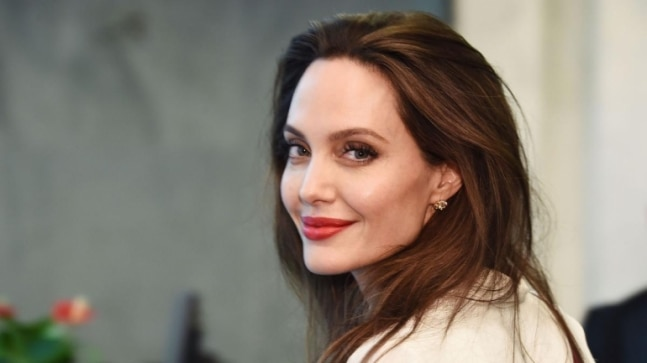 Angelina Jolie gives donations to two boys trying to raise money for Yemen