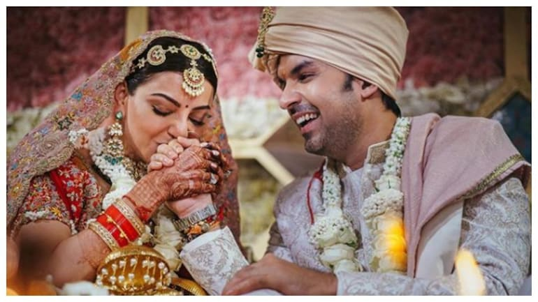 Kajal Aggarwal and Gautam Kitchlu in new wedding pics on Instagram. Just gorgeous - Movies News