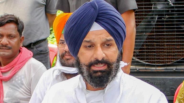 Kisan Andolan: Shiromani Akali Dal leader Bikram Singh Majithia on BJP government denying permission to Sikh Jatha for Saka Nankana Sahib anniversary.