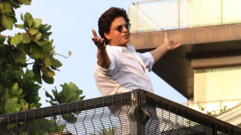 Shah Rukh Khan fans celebrate his 55th birthday by donating 5,555 Covid kits - Movies News