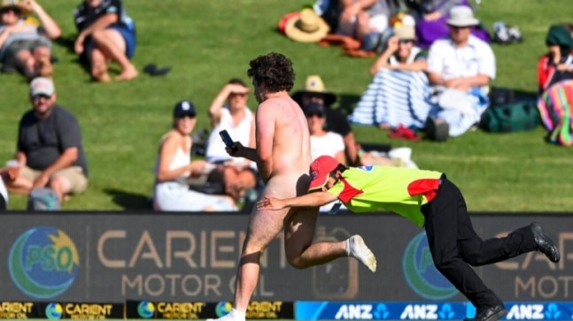 New Zealand vs Pakistan: Fans blame streaker after Kane Williamson misses hundred by 6 runs on Day 1 - India Today
