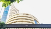 Boosted by IT stocks, Indian shares settle 1% higher as Covid strain keeps global markets on edge