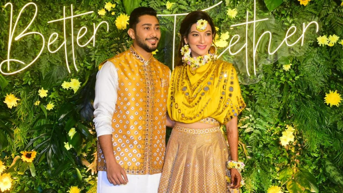 Gauahar Khan shows off her mehendi with Zaid Darbar in pics from wedding bash - Television News
