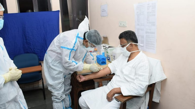 Covaxin Phase 3 trial begins in Kolkata, Bengal minister Firhad Hakim takes  the first shot - Coronavirus Outbreak News
