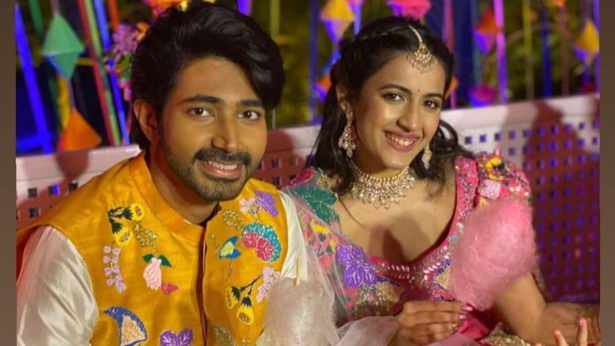 Niharika Konidela and Chaitanya Jonnalagedda have a colourful mehendi. All  pics - Movies News