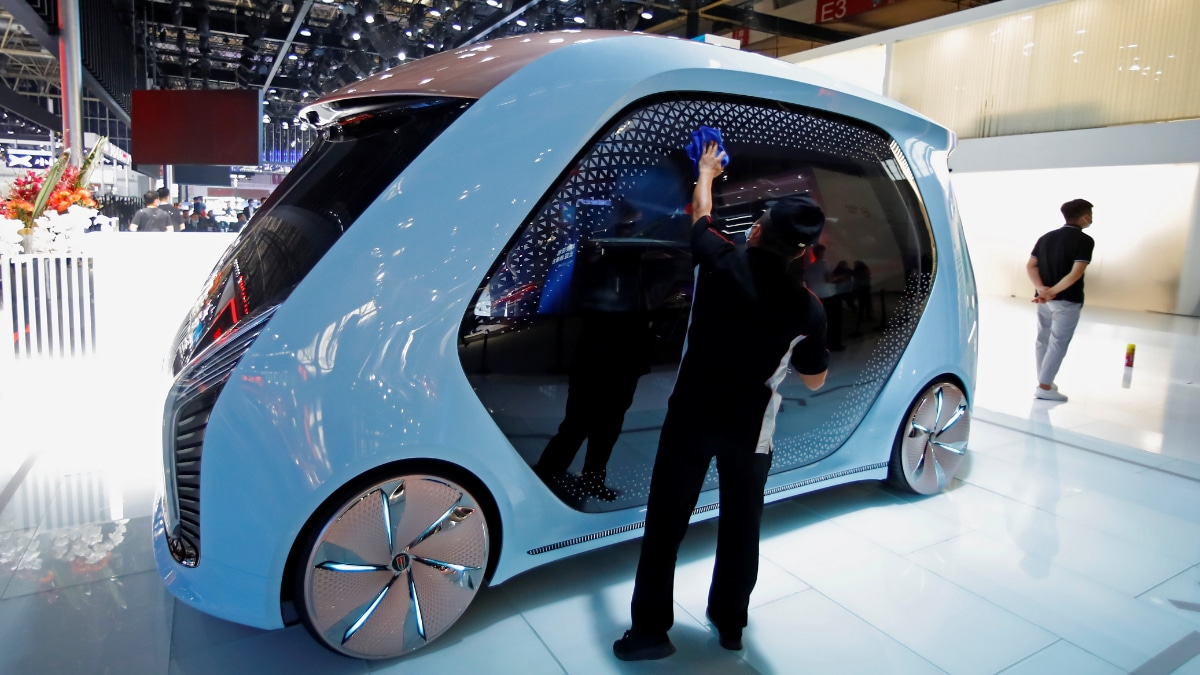 Apple may launch self-driving car in 2024 - Technology News
