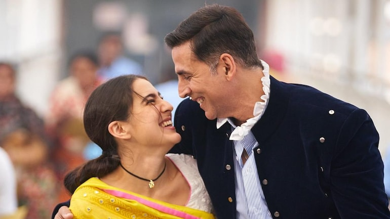 Akshay Kumar starts shooting for Atrangi Re. Sara Ali Khan shares unseen  pic from set - Movies News