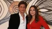 Gauri wins an award. Shah Rukh Khan reacts and wins the Internet