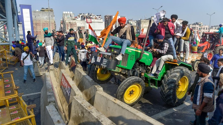 Farmers drive into Delhi on tractors, rally marred by violence, protest reaches Red Fort: 10 developments - India News