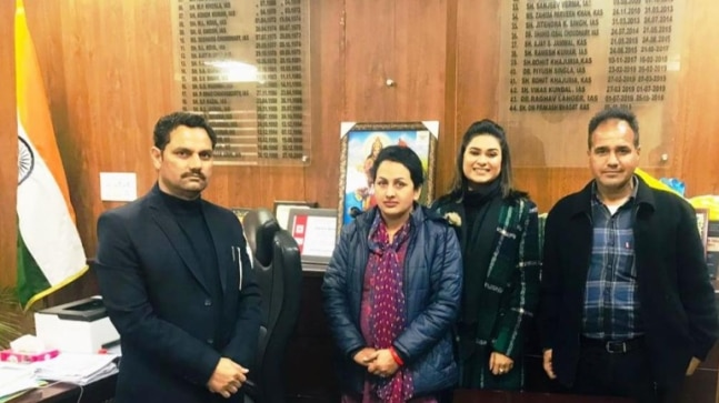 Woman from Kathua becomes first female driver of Union Territory of J&K  India Today RSS Feed INDIAN GUM ARABIC – बाबुल, बबुरा, कीकर PHOTO GALLERY  | HINDIMEANING.COM  #EDUCRATSWEB 2020-04-19 hindimeaning.com https://www.hindimeaning.com/wp-content/uploads/2016/12/Indian-Gum-Arabic.jpg