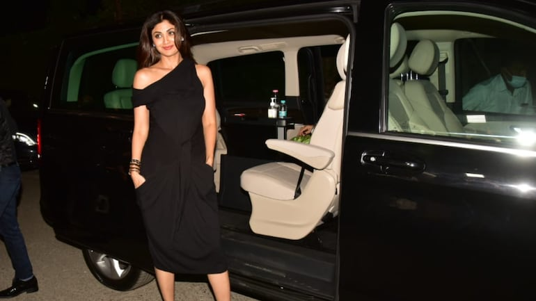 Shilpa Shetty buys swanky new Mercedes Benz V-Class worth Rs 71.10 lakh. See pics - Movies News