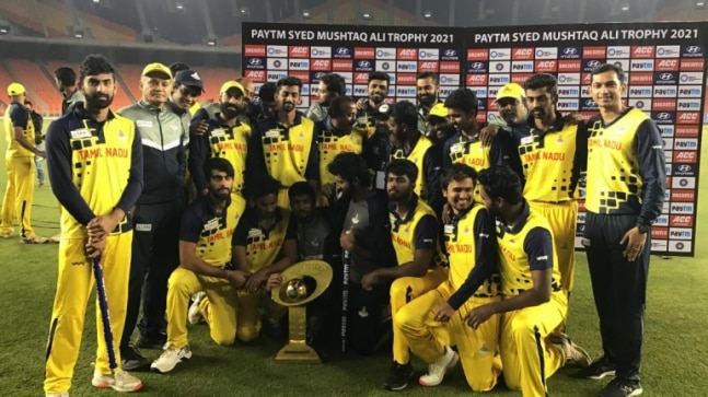Watch: Dinesh Karthik-led Tamil Nadu players dance to Master's Vaathi Coming after Syed Mushtaq Ali Trophy win - India Today