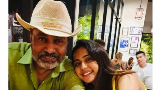 Rakul Preet Singh shares unseen pics to wish her rockstar father on his 60th birthday - India Today