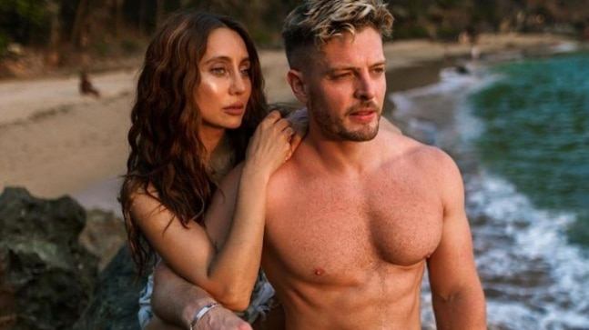 Jason Shah confirms dating Anusha Dandekar, says I am falling in love with her - India Today