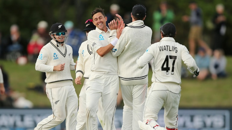 New Zealand cricketers reach UK for biosecure England tour, WTC final against India - Sports News