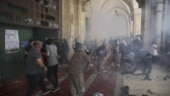 Hamas fires rockets at Jerusalem after clashes at mosque