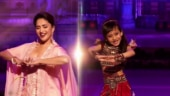 Madhuri Dixit grooves to Honthon Mein Aisi Baat with Dance Deewane 3 contestant. Watch