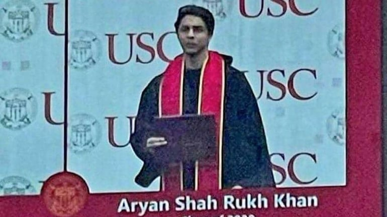 Shah Rukh Khan's son Aryan Khan is a graduate now. Photo from ceremony goes viral - Movies News
