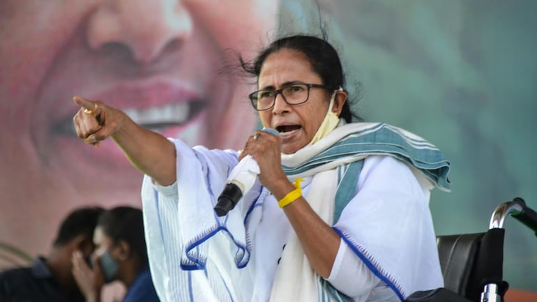 Mamata Banerjee Oath Ceremony: Mamata Banerjee was sworn in as chief minister of West Bengal after huge victory in state assembly elections 2021.
