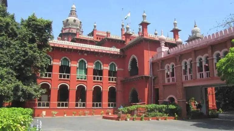 Madras HC issues notice to Centre on Digital News Publishers Association's  plea against new IT Rules - Law News